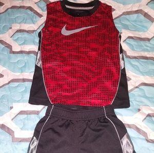Nike 2 peace set size 4/xsmall